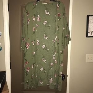 Boutique Floral Kimono